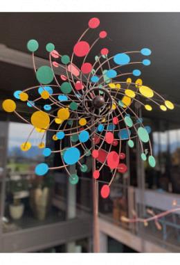 Windspiel Metall mit Pünktli gelb, grün, rot, blau, DM 85, am Stab