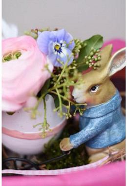 Hase mit Blumen-Ei