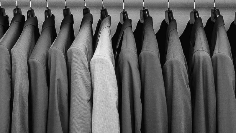 Anzug (nur im Store zu kaufen)