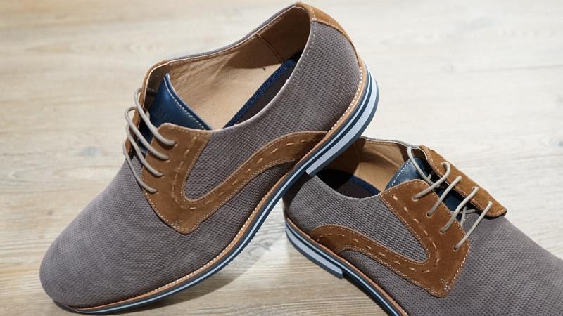 Schuhe Leder taupe mit du'braun